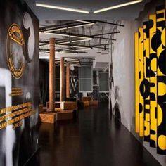 Nike Stadium, em Manhattan, Nova York. Projeto de Rafael de Cárdenas. #moda #atitude #fashion #fashionattitude #lojaconceito #conceptstore #storedesign #interior #interiores #artes #arts #art #arte #decor #decoração #architecturelover #architecture #arquitetura #design #projetocompartilhar #davidguerra #shareproject #nike #nikestore #manhattan #ny #newyork #novayork #usa #rafaeldecardenas