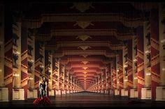 DON GIOVANNI - Teatro alla Scala de Milano - Escenografia de Michael Levine  - Libretto de Lorenzo da Ponte - Música de W.A. Mozart - Il.luminació de Robert Carsen i Peter van Praet - Direcció de Robert Carsen - Temporada 2011-2012 - www.peroni.com
