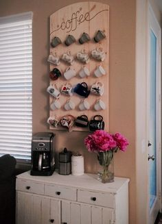 Coffee Bar Ideas - Looking for some coffee bar ideas? Here you'll find home coffee bar, DIY coffee bar, and kitchen coffee station. Coffee Nook, Coffee Corner, Coffee Bars, Coffee Cup Storage, Coffee Cup Rack, Coffee Mug Display, Coffee Shops, Coffee Maker, Diy Wanddekorationen
