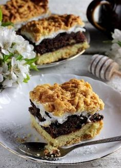 PLEŚNIAK IDEALNY - kruche ciasto z dżemem porzeczkowym i bezą Sweet Bar, Bread Cake, Polish Recipes, Cake Recipes, Cheesecake, Good Food, Food And Drink, Cookies, Baking