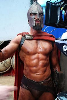 I was listening to a fascinating radio programme about Sparta earlier, but as it obviously lacked visuals, I felt the need for some King Leonidas I (ok, Gerard Butler with abs) 😏 Gerard Butler 300, Actor Gerard Butler, Gerard Butler Movies, 300 Movie, Pietro Boselli, Gorgeous Men, Pretty Men, Movie Stars, Hot Guys
