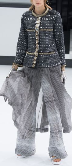 Chanel  SS 2016 Fashion Show & more details