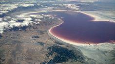Blood red Lake Urmia in Azerbaijan from 36000 feet [OC] [4208x2368] http://ift.tt/2a35xoL @tachyeonz