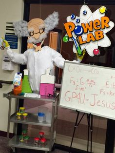 Love the prof head Bible Science, Science Room, Science Week, Science Classroom, Science Fair, Mad Science Party, Mad Scientist Party, Science Lab Decorations, School Decorations