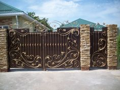 Gate Wall Design, House Main Gates Design, Front Gate Design, Garage Door Design, House Design, Front Gates, Entrance Gates, Gate Designs Modern, Grill Gate
