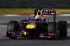 El campeón Sebastian Vettel con el Red Bull en Barcelona