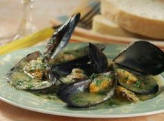 Das perfekte Miesmuscheln a la Buzzara-Rezept mit Bild und einfacher Schritt-für-Schritt-Anleitung: 1. Muscheln reinigen und waschen