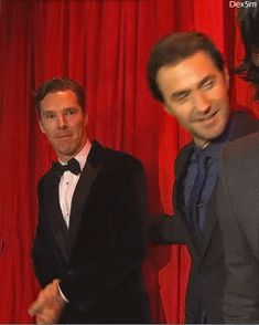 Come here , Ben !...  Ben , Richard Armitage and Luke Evans   .gif      ;D