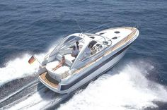 """Bavaria Sport 33: Bavaria 33 sport introduces two completely independent cabins to the """"upper middle class"""" of Bavaria's sport series -this is normally found only in motor boats of at least 11 metres."""
