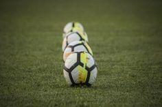 Δίαιτα express: Υπόσχεται απώλεια 10 κιλών σε 10 ημέρες (1 κιλό την ημέρα) - Ομορφιά & Υγεία - Athens magazine Soccer Ball, Health, Sports, Hs Sports, Health Care, European Football, European Soccer, Soccer, Sport