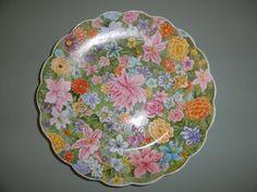 plato pintado sobre porcelana