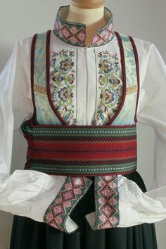 no - Mulighetenes marked Folk Costume, Costumes, Folk Clothing, Tablet Weaving, Hardanger Embroidery, Ethnic Fashion, Fashion History, Traditional Dresses, Folklore