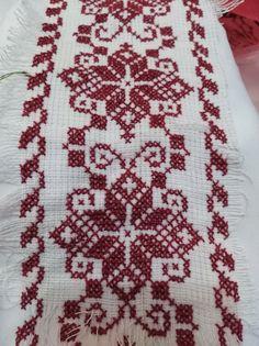 Cross Stitch Borders, Cross Stitch Designs, Cross Stitch Patterns, Beaded Embroidery, Cross Stitch Embroidery, Embroidery Patterns, Palestinian Embroidery, Hungarian Embroidery, Needlepoint