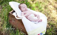 Springdale Baby Photography   Poses for baby pictures   Antique crate   Vintage quilt