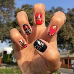 Sasha Banks nails, WWE nailart, wwe nails, glitter nails.