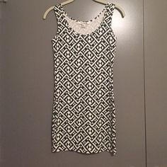 Forever 21 bodycon geometric print dress Really fun black and white pattern bodycon dress. Never worn! Forever 21 Dresses Mini