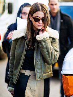 Olive green shearling bomber jacket // fall street style