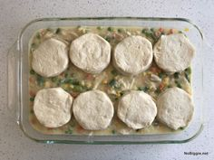 One of the best comfort foods around: chicken pot pie comes together in a flash when you use Grand biscuits. We love this simple classic. Biscuit Chicken Pot Pie, Chicken Pot Pie Casserole, Chicken And Biscuits, Chicken And Dumplings, Baked Chicken, Casserole Recipes, Chicken Recipes, Chicken Snacks, Canned Biscuits