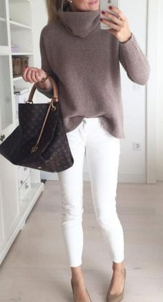 20 Warm Work & Office Outfits Ideas for Women When It's Cold - Lifestyle Spu. - Adrianna Torres - - 20 Warm Work & Office Outfits Ideas for Women When It's Cold – Lifestyle Spu… – Source by NewWorkOutfits Outfit Chic, Date Outfit Casual, Business Casual Outfits, Casual Winter Outfits, Business Attire, Winter Business Casual, Business Chic, Warm Outfits, Denim Outfit