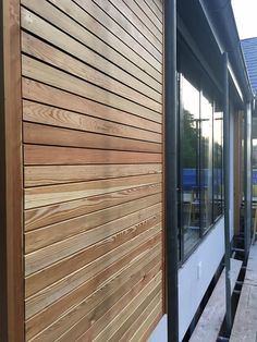 Allows air to circulate contemporary looking Shed Cladding, Wooden Cladding Exterior, Types Of Cladding, Rainscreen Cladding, Larch Cladding, Wall Exterior, Exterior House Colors, Garden Office Shed, Cedar Paneling