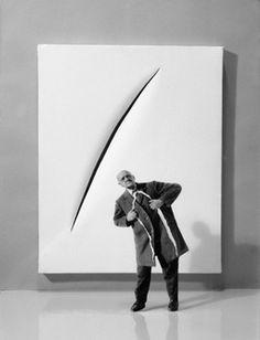 Gilbert Garcin, La seule solution, ou Fontana, en mieux The only solution, or Fontana, at best