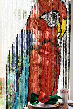 Beaded curtains - Coisas & Ideias - Doses Diárias de Design, Arte, Música e Variedades.