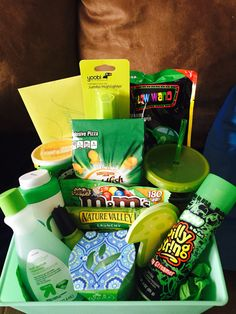 Green Color Themed Gift Basket Gifts Themed Gift