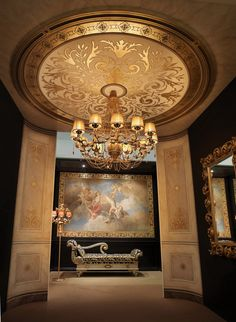 Empire style oval foyer, exquisite Neoclassical Grandeur made today - Mariani Affreschi, Italia for Trompe l'oeil & grisailles.