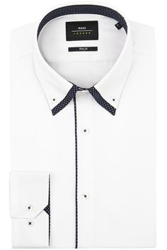 Moss London is about attitude, individuality and youthful urban style. This Moss London white formal shirt with contrast navy cross print double collar is the ideal evening shirt this season. This shirt is made from a cotton blend and looks stylish worn with a Moss London slim fit suit and contrasting pocket square.