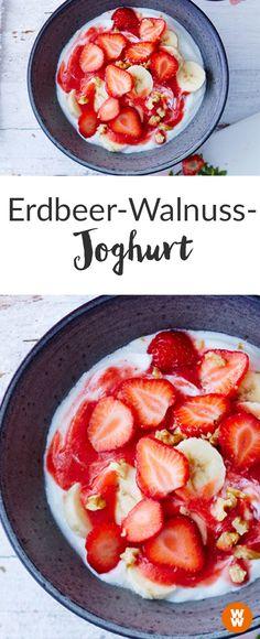 Zum Frühstück, als Abendessen oder einfach als Snack für Zwischendurch: Der Erdbeer-Walnuss-Joghurt schmeckt zu jeder Tageszeit und ist schnell zubereitet. Ein Rezept, das einfach (und) lecker ist!  Guten Morgen I WW Your Way I Weight Watchers