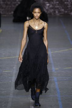 John Galliano Fall 2016 Ready-to-Wear Fashion Show