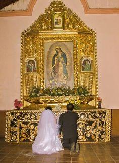 Consagramos nuestro Matrimonio a los pies de Nuestra Señora de Guadalupe. #MatrimonioVelasquezCorrales