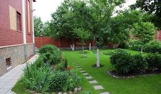 Картинки по запросу оформление ягодного сада на даче
