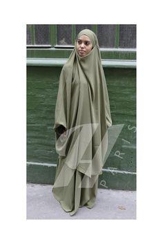 Hiya Paris- presentation of Jilbab Makkah2 al Moultazimoun