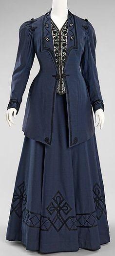 "wool and silk Walking suit by Kontoff, American. Label in jacket: ""Kon… - Edwardian Fashion Edwardian Clothing, Edwardian Dress, Antique Clothing, Historical Clothing, Edwardian Era, Victorian Dresses, 1920s Dress, Victorian Gothic, Gothic Lolita"