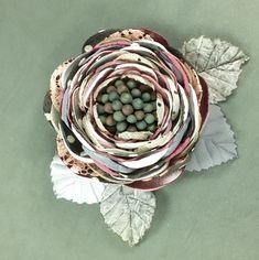 Папина Дочка. Брошь - цветок ручной работы из ткани – купить в интернет-магазине на Ярмарке Мастеров с доставкой