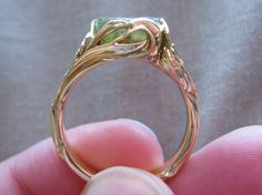 Unique wedding ring, this is gorgeous