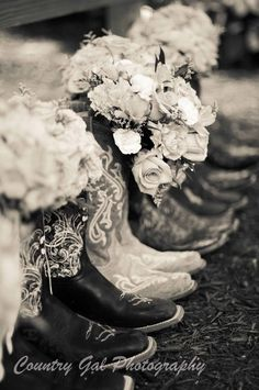 Country Wedding Bouquets with Boots One day i will do this! Country Wedding B Country Wedding Bouquets, Country Wedding Photos, Wedding Pictures, Country Weddings, Cowboy Weddings, Western Weddings, Barn Weddings, Outdoor Weddings, Wedding Flowers