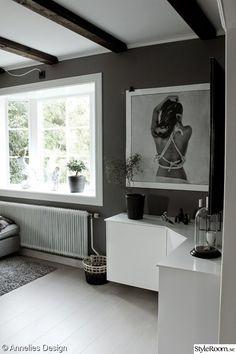 3 063 inspirerande bilder och idéer på do-it-yourself Living Room Units, Grey Walls, Lounge, Diy Projects, House Design, Cabinet, Storage, Furniture, Home Decor