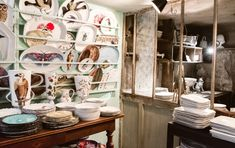 Astier de Villatte Ceramics & Decor Shop in Paris Ceramic Shop, Ceramic Decor, St Honoré, Concept Shop, Paris Shopping, Decoration, Home Gifts, Im Not Perfect, Table Settings