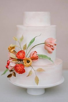 Just another sweet moment added to our lives, designed by the creative @ninecakes and captured by the talented @rebeccayale. This is what we like to call a true work of *edible* art. 😍 | #stylemepretty #cake #weddingcake #weddingcakeideas #weddingdessert
