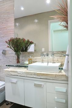 Bright and fresh. Using stone instead of tile