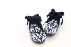 Baby Girl Booties Navy blue shoes Baby by DaughtersWardrobe