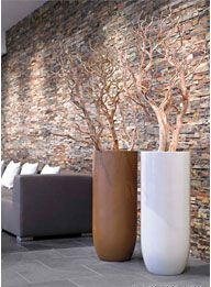 Decoration branches in beautiful large pots Deco Cool, Garden Design, House Design, Branch Decor, Interior Decorating, Interior Design, Vases Decor, Ikebana, Home Crafts