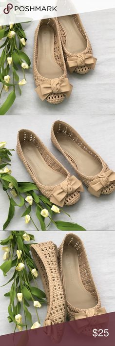 Lauren Conrad Basil Blush Flats Size 6.5 Adorable and very comfy flats!!!  Size 6 in very good condition LC Lauren Conrad Shoes Flats & Loafers