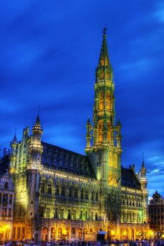 Grand Place, Brussels, Belgium by gwhiteway