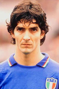 Paolo Rossi (Italy) - Spain 1982 Top Scorer and World Champion. Football Icon, Sport Football, Football Shirts, Soccer World, World Football, Fifa, Premier League, Football Italy, Diego Armando