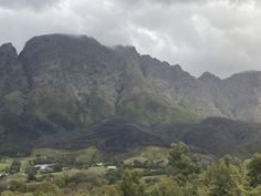 """Rob Armstrong on Twitter: """"Over a 100 mms of rain so far in the donker Hoek ; rivers coking down the mountains #franschhoek… """""""