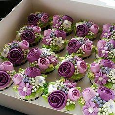#buttercreamdeco #cupcakes #hantarankahwin