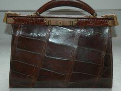 Retro, Bags, Shopping, Fashion, Handbags, Moda, Fashion Styles, Retro Illustration, Fashion Illustrations